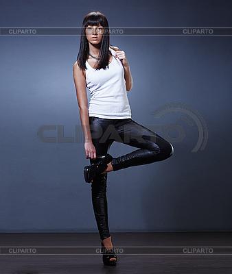 Stilvolle junge Dame | Foto mit hoher Auflösung |ID 3024286