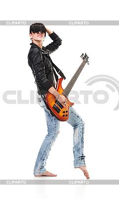 Punk girl gospodarstwa gitara i śpiew | Foto stockowe wysokiej rozdzielczości |ID 3032469