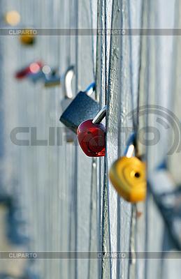 Blokady na moście | Foto stockowe wysokiej rozdzielczości |ID 3026134