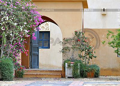 Дверь во двор | Фото большого размера |ID 3026156