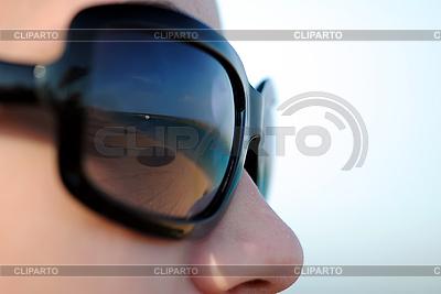 Okulary na twarzy dziewczyny `s | Foto stockowe wysokiej rozdzielczości |ID 3037766