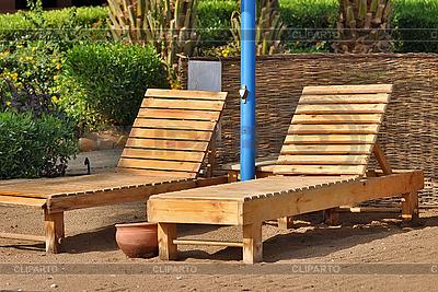 Paar von Liegestühlen am Strand | Foto mit hoher Auflösung |ID 3082397