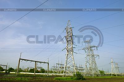 Wieże elektryczne | Foto stockowe wysokiej rozdzielczości |ID 3284545