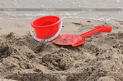 모래 양동이와 삽   높은 해상도 사진  ID 3137096