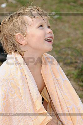 Dziecko w ręcznik | Foto stockowe wysokiej rozdzielczości |ID 3142009