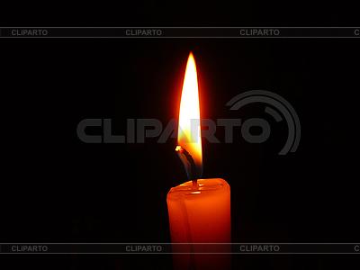 Brennende Kerze in der Dunkelheit | Foto mit hoher Auflösung |ID 3044564