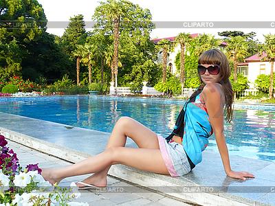 Dziewczynka seksualnego i basen | Foto stockowe wysokiej rozdzielczości |ID 3051633