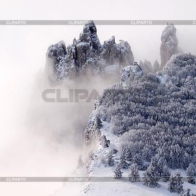 Schneebedeckte Berge im Nebel | Foto mit hoher Auflösung |ID 3047792