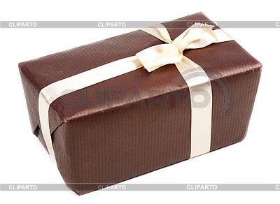Brązowe pudełko z kokardą | Foto stockowe wysokiej rozdzielczości |ID 3066159