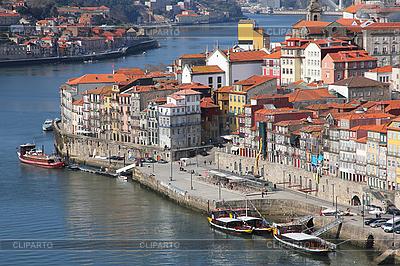 Portugalia. Porto city. Widok z nasypu rzeki Douro | Foto stockowe wysokiej rozdzielczości |ID 3111927