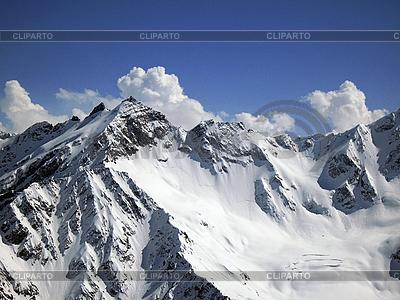 Горы под голубым небом и облаками | Фото большого размера |ID 3062766