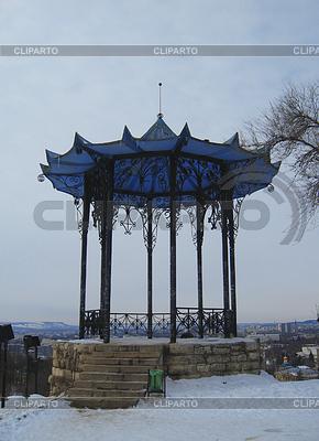 Chiński altanka. Kaukaz Północny punkty orientacyjne. Zima Pjatigorsk | Foto stockowe wysokiej rozdzielczości |ID 3270388