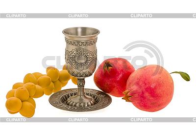 Puchar i owoce | Foto stockowe wysokiej rozdzielczości |ID 3067941