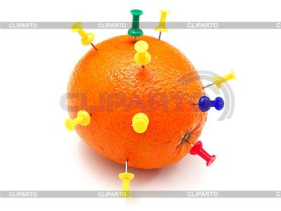 Kolorowe szpilki biurowe utopił się w pomarańczowym   Foto stockowe wysokiej rozdzielczości  ID 3068700