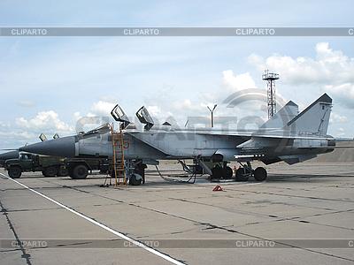 Radziecki myśliwiec MiG-31 | Foto stockowe wysokiej rozdzielczości |ID 3102488