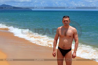 옷없는 남자 | 높은 해상도 사진 |ID 3270636