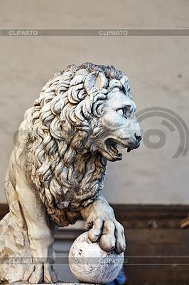 Llion near Palazzo Vecchio | High resolution stock photo |ID 3346396