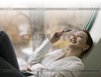 Uśmiechnięta kobieta biznesu | Foto stockowe wysokiej rozdzielczości |ID 3088391