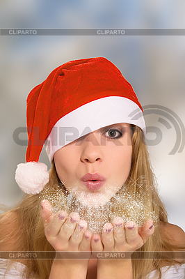 Zima portret dziewczyna w czerwonym kapeluszu christmas | Foto stockowe wysokiej rozdzielczości |ID 3104939