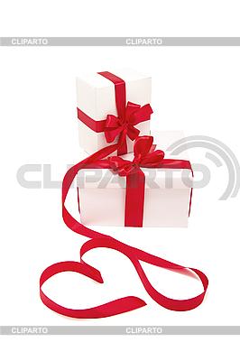 Geschenkboxen mit roten Bändern | Foto mit hoher Auflösung |ID 3104948
