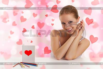 Schöne Mädchen mit Postkarte valentine | Foto mit hoher Auflösung |ID 3280009