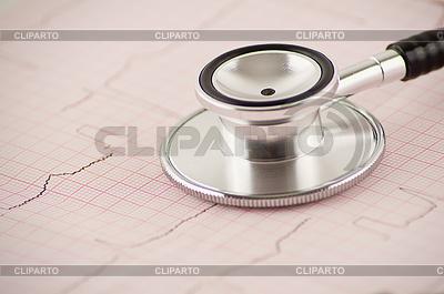 Stetoskop medycznych na wykresie EKG | Foto stockowe wysokiej rozdzielczości |ID 3280160