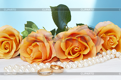 wedding roses with necklace and gold rings | High resolution stock photo |ID 3094524