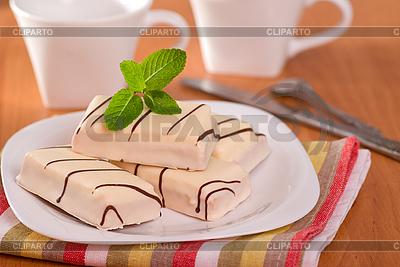 Ciasta w białym szkliwem | Foto stockowe wysokiej rozdzielczości |ID 3091122