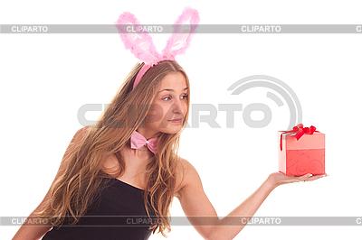 여자 선물 토끼로 옷을 입고 | 높은 해상도 사진 |ID 3092615
