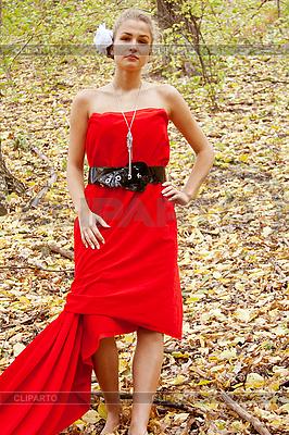 Красивые девушки картинки в красном
