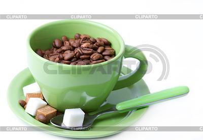 커피 콩의 조각 숟가락과 녹색 컵   높은 해상도 사진  ID 3332506