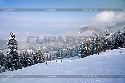 Skipiste und Bergpanorama im Winter | Foto mit hoher Auflösung |ID 3097023