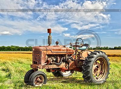 Старинный трактор | Фото большого размера |ID 3166535