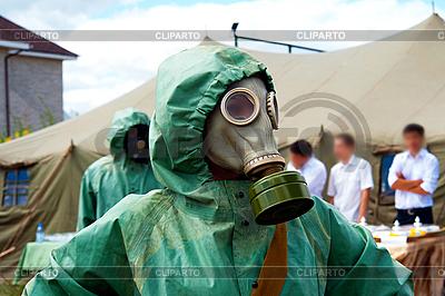 气体面罩的士兵 | 高分辨率照片 |ID 3110260