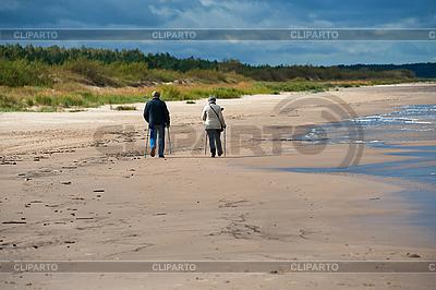 Bejahrte Menschen am Strand | Foto mit hoher Auflösung |ID 3112029