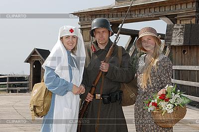 Ретро стиль картина с двумя женщинами и солдат | Фото большого размера |ID 3124999