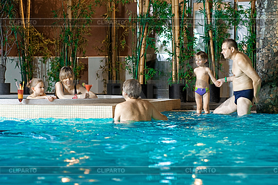 Family in swimming-pool | High resolution stock photo |ID 3176798