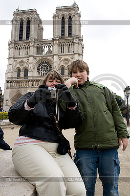 Tourists near Notre Dame de Paris   High resolution stock photo  ID 3114093