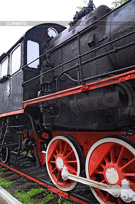 중지에 오래 된 기관차의 바퀴   높은 해상도 사진  ID 3252158