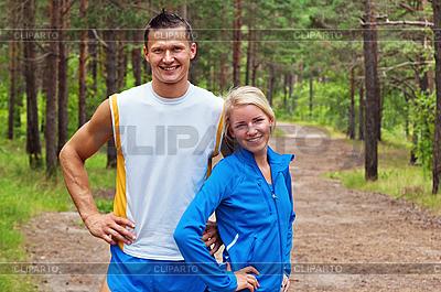 Sportler. Der junge Mann und das Mädchen | Foto mit hoher Auflösung |ID 3134107