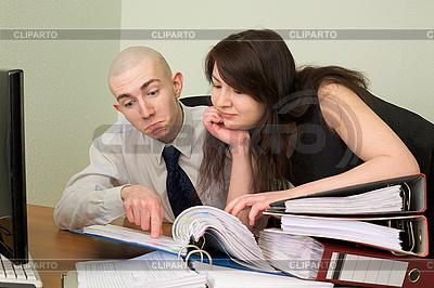 Бухгалтер и секретарь на рабочем месте | Фото большого размера |ID 3147395