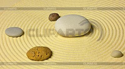 Schemat układu słonecznego z kamieni na piasku | Foto stockowe wysokiej rozdzielczości |ID 3152589