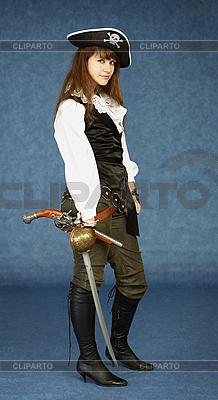 Młoda kobieta w stroju pirata | Foto stockowe wysokiej rozdzielczości |ID 3156608