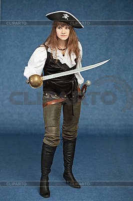 Sexy kobieta - pirat uzbrojony w szablę | Foto stockowe wysokiej rozdzielczości |ID 3159593