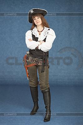 Sexy kobieta - pirat uzbrojony w pistolet | Foto stockowe wysokiej rozdzielczości |ID 3159594