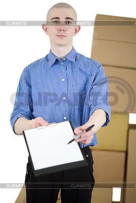 태블릿 및 판지 상자를 가진 남자 | 높은 해상도 사진 |ID 3172836