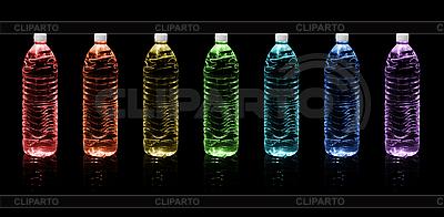 Flaschen Trinkwasser | Foto mit hoher Auflösung |ID 3183641