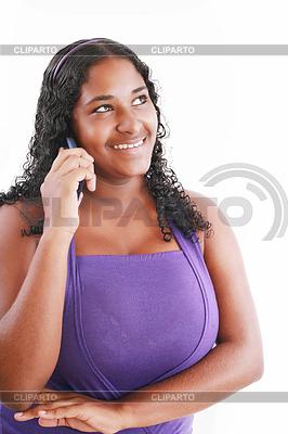 Wszystkiego najlepszego afrykańskiego kobieta przemawia na jej telefon | Foto stockowe wysokiej rozdzielczości |ID 3359559