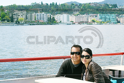 Couple relaxing | 높은 해상도 사진 |ID 3369483