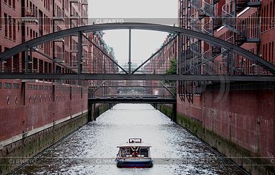 Sightseeing boat in Hamburg Speicherstadt   High resolution stock photo  ID 3380936